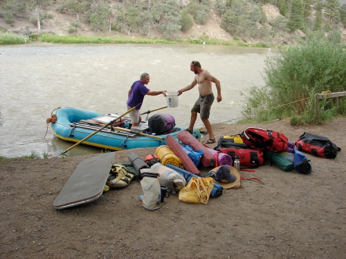 Lars helps Randy with the loading of our raft.